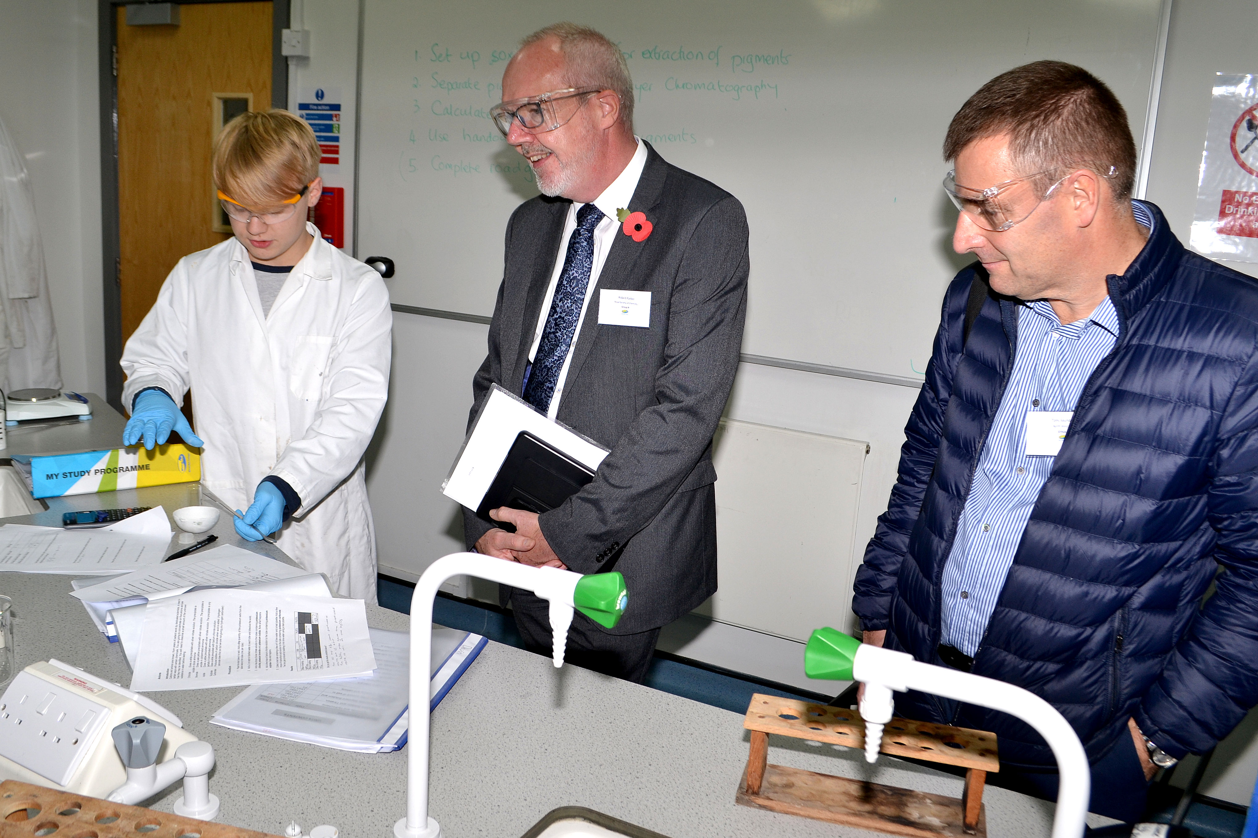 Robert Parker with Wirral Met College STEM students at the Wirral Met Twelve Quays campus